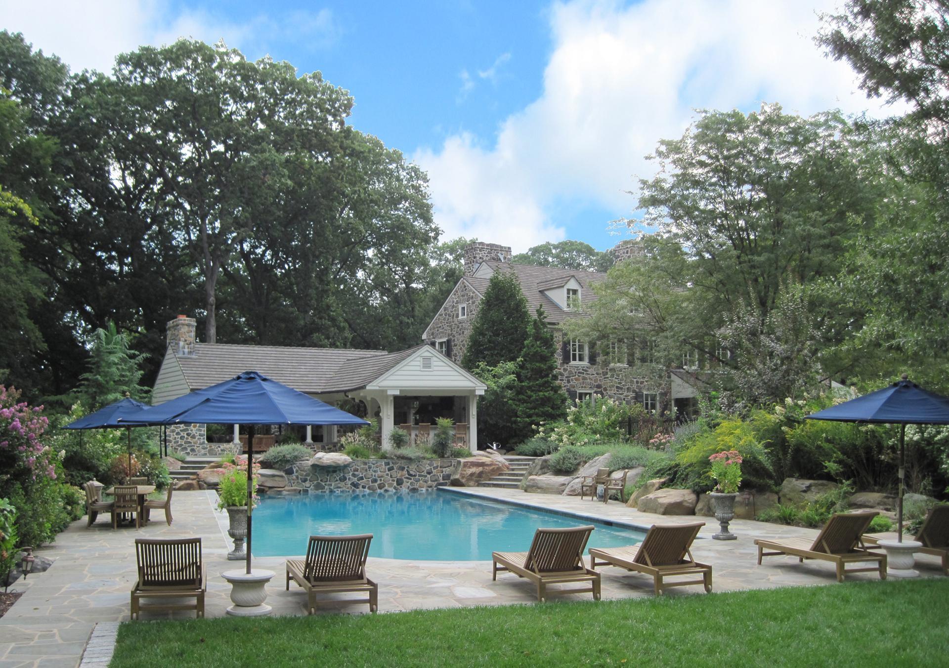 custom-pool-stone-paving-outdoor-bar-brandywine-centerville-de