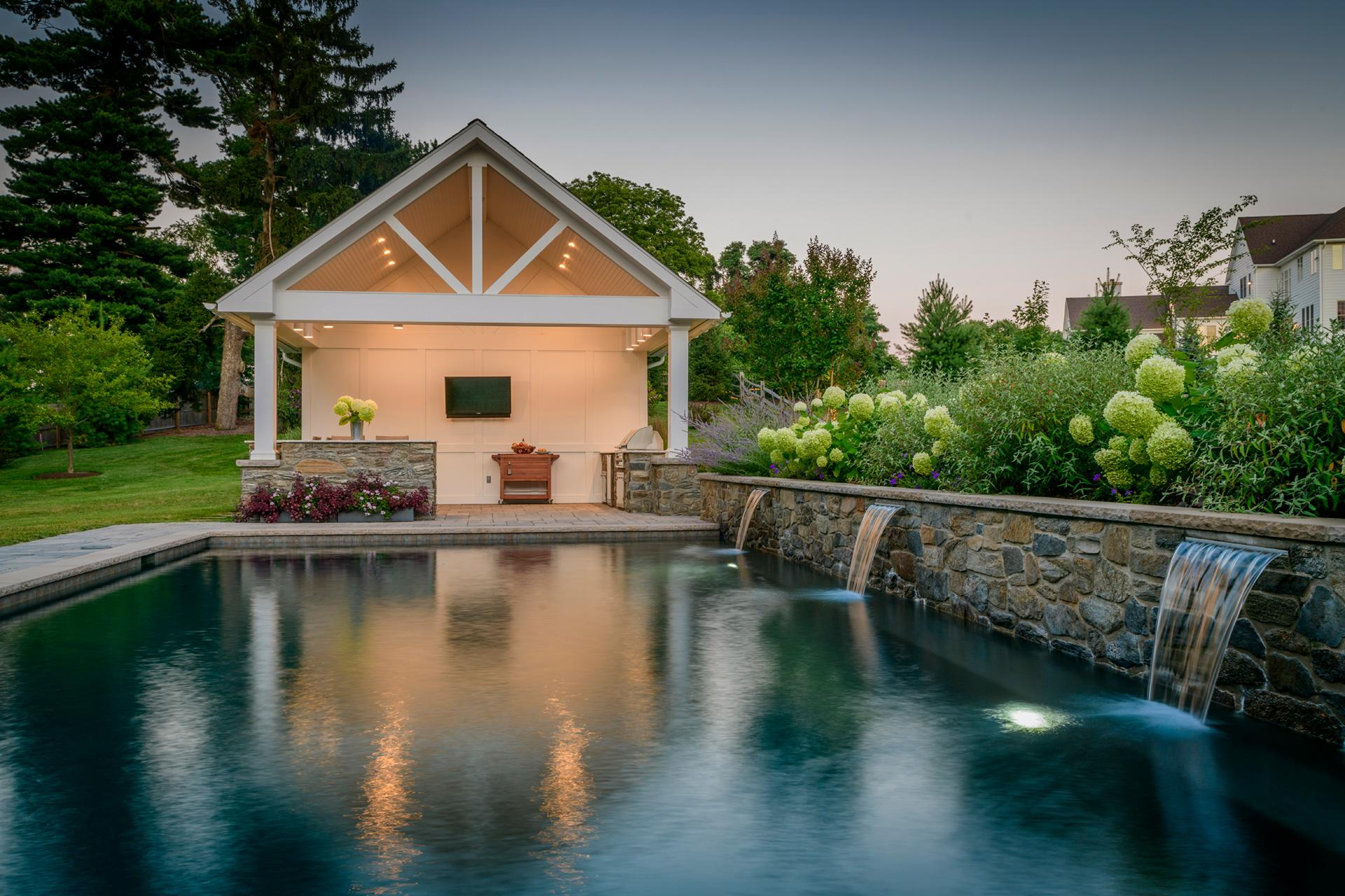 pool-waterfall-outdoor-lighting-radnor-pa
