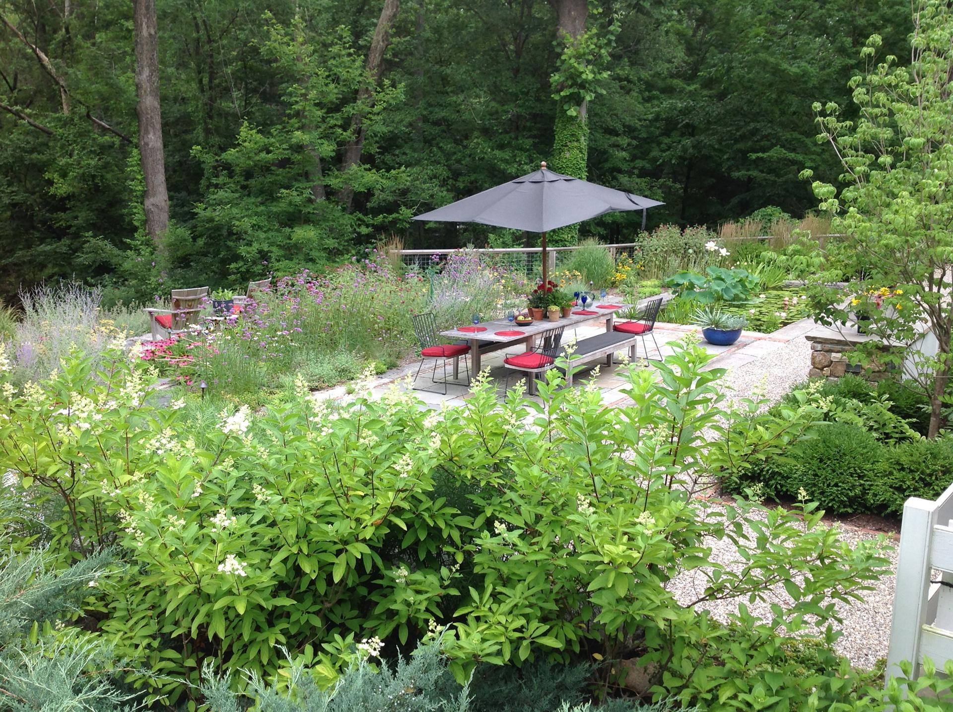 outdoor-dining-outdoor-garden-newtown-square-pa