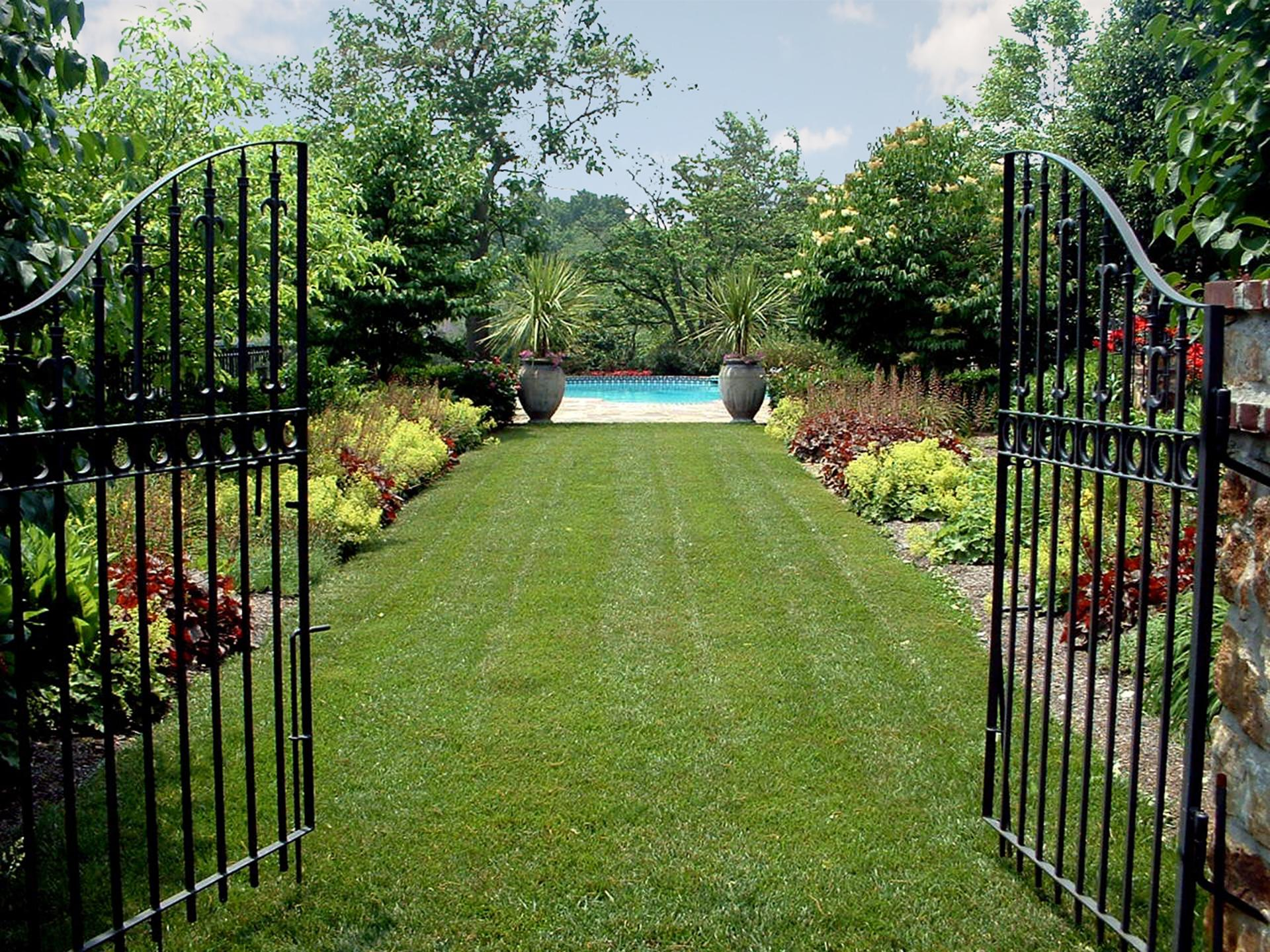 landscape-design-iron-gate-pool-gate-fencing-ideas
