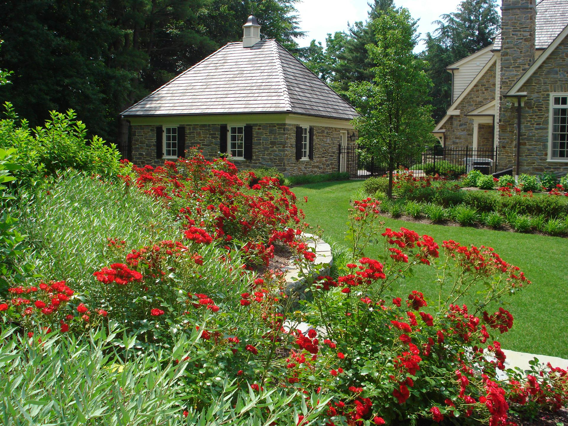 main-line-pa-gladwyne-estate-formal-landscape-design