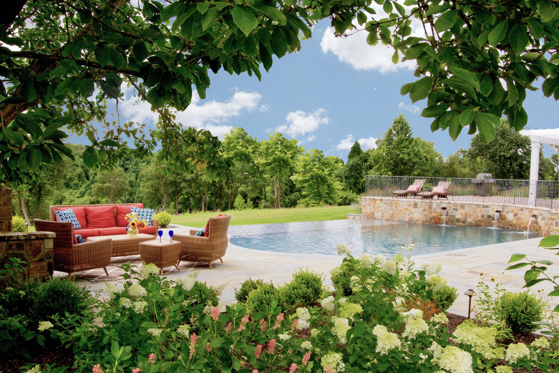 poolside-garden-chadds-ford-pa-custom-pool-design