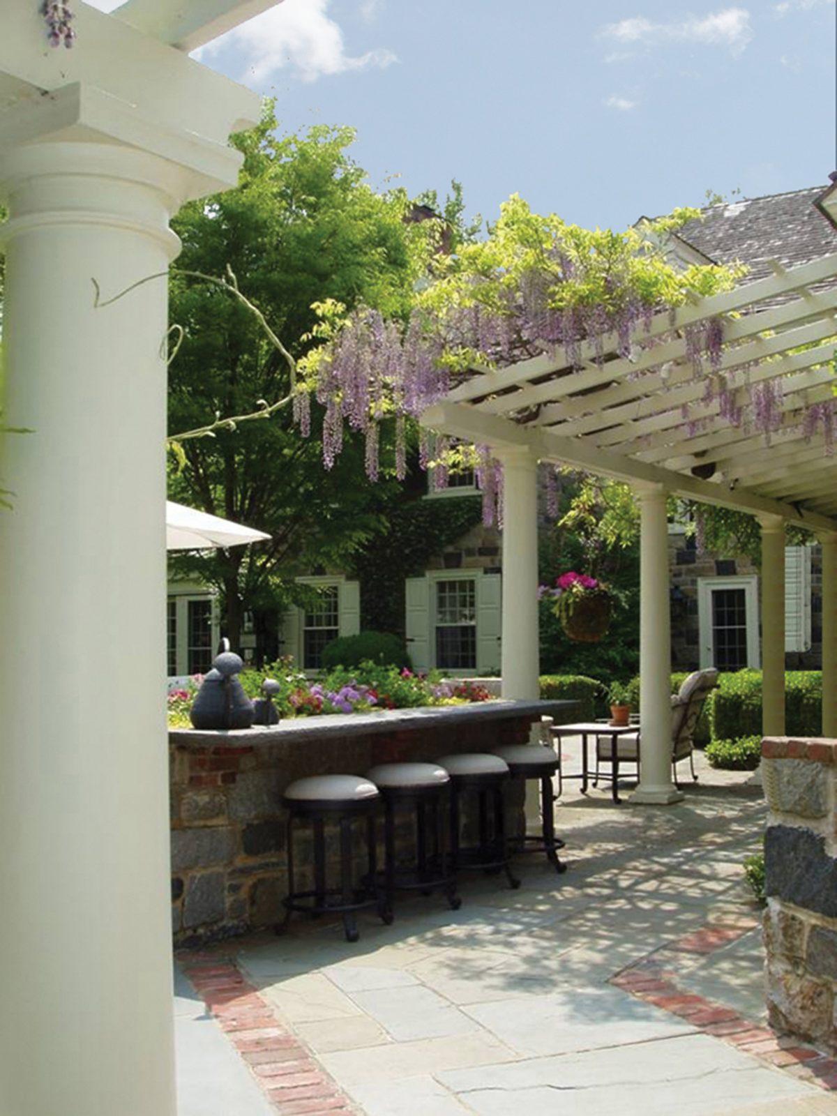 outdoor-bar-trellis-pergola-classic-design-westover-hills-de