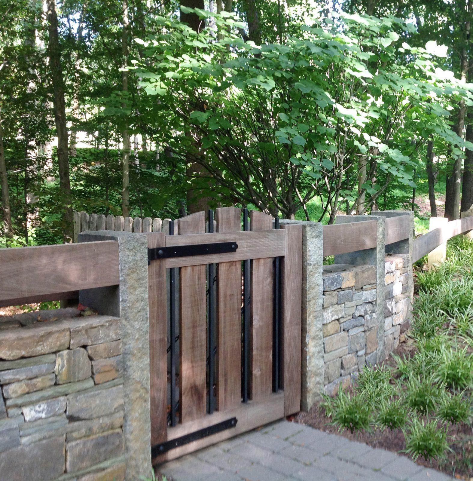 custom-design-modern-garden-gate-kennett-square-pa