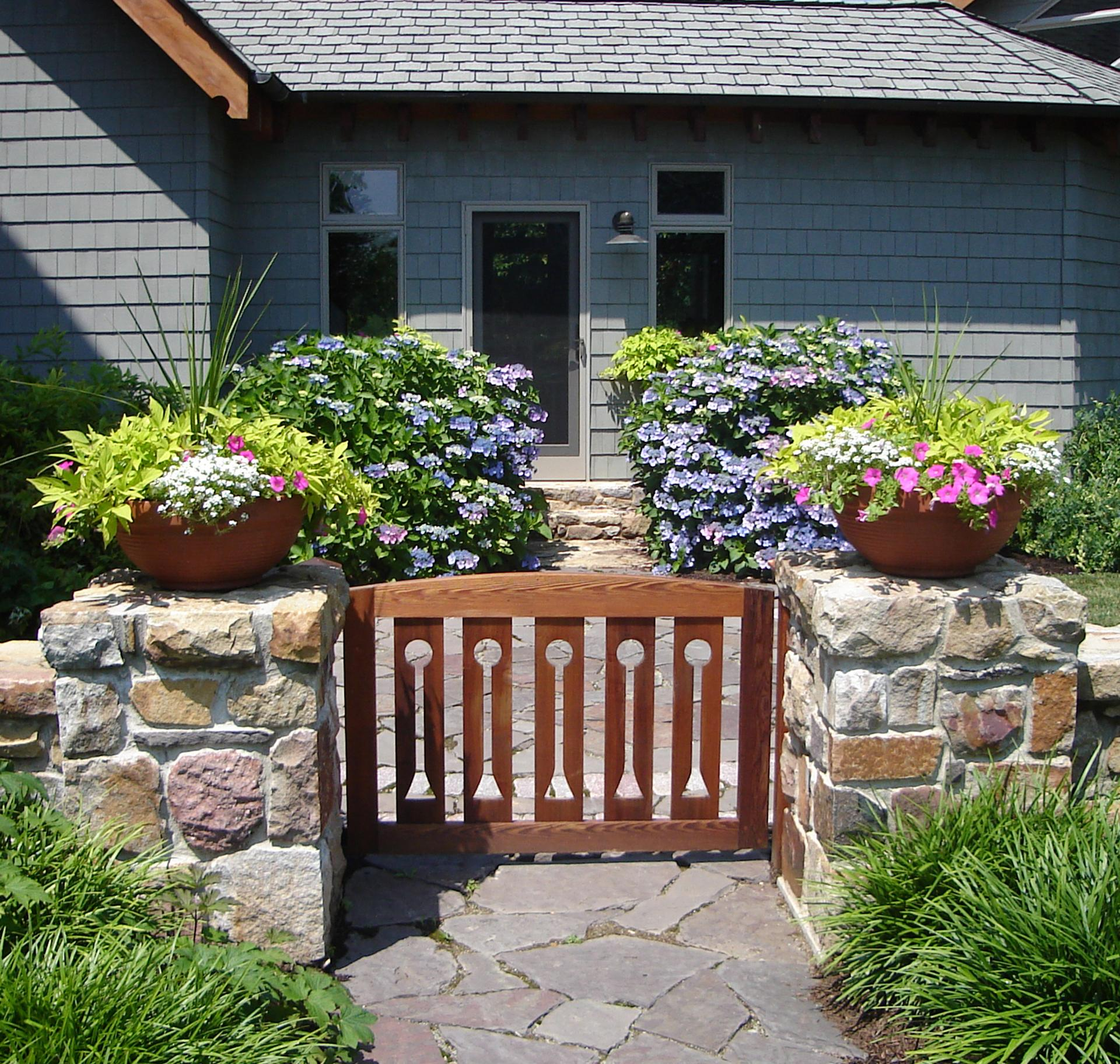 modern-garden-design-custom-gate-entry-west-chester-pa