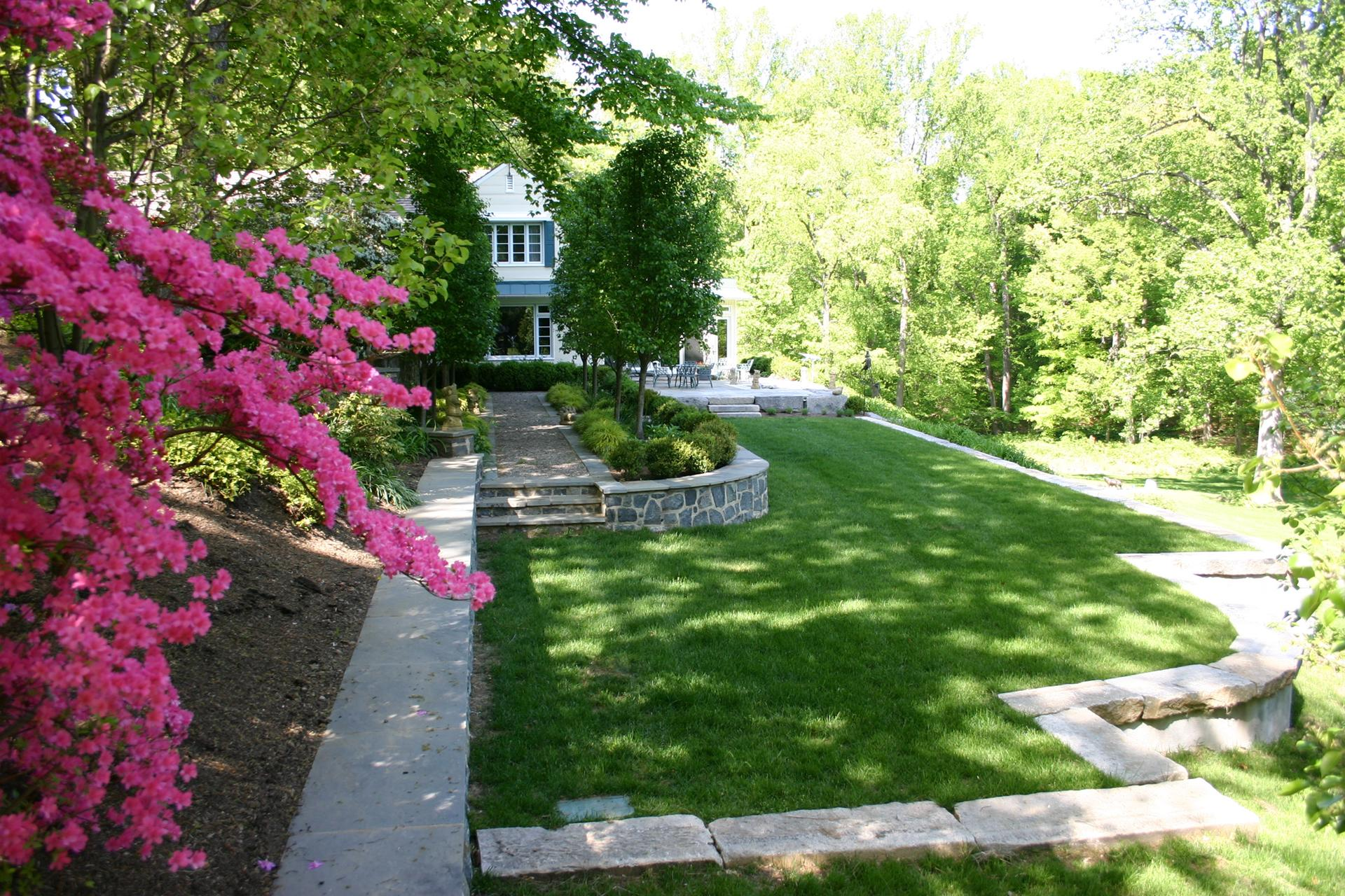 landscaping-design-custom-stone-retaining-wall-west-chester-pa