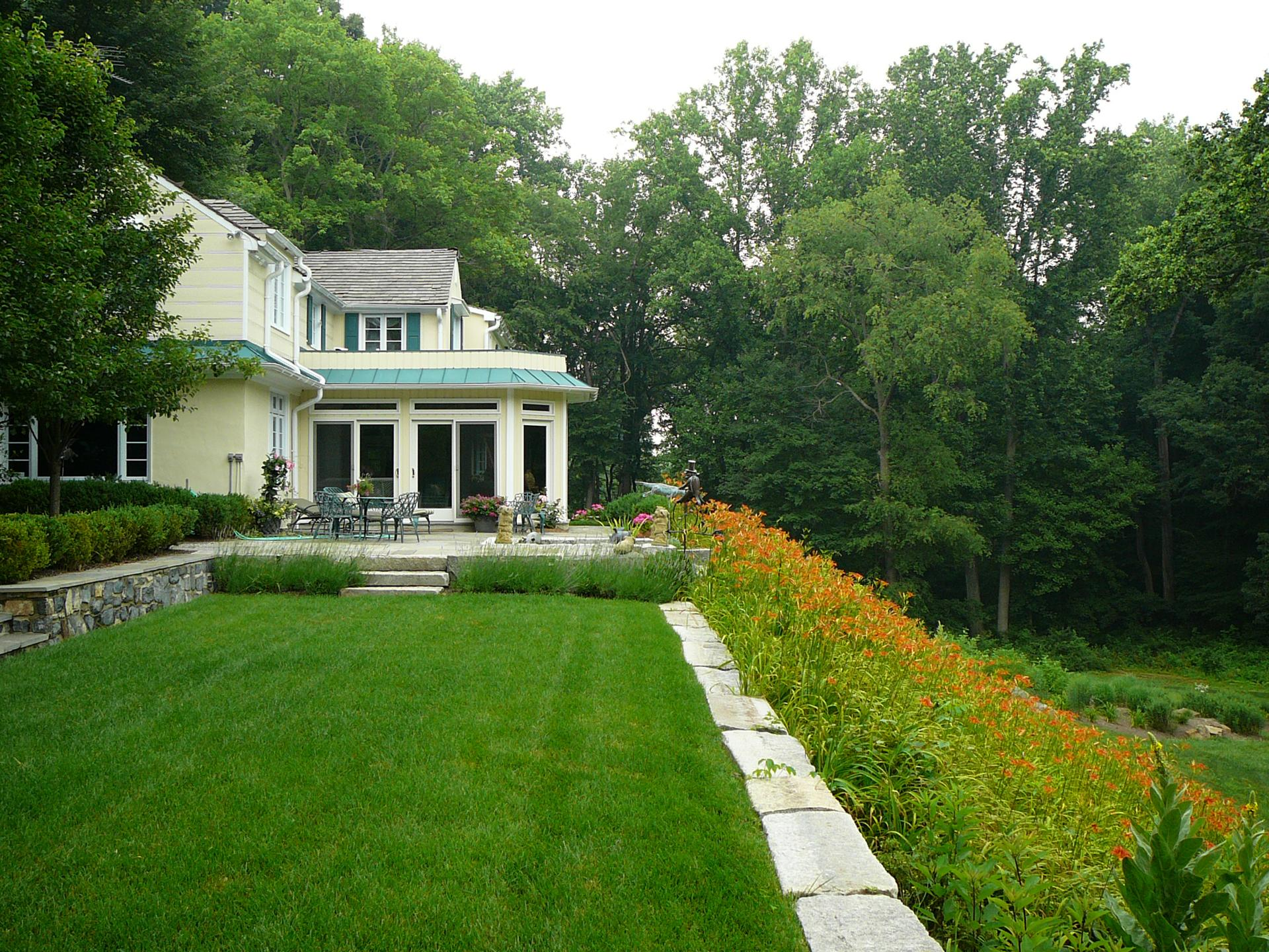 day-lily-garden-chester-county-pa-landscape-design